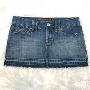 Abercrombie and Fitch Distressed Denim Skirt Sz 0